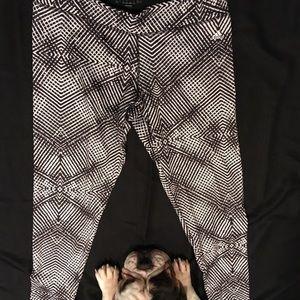 Black & White Kaleidoscope Yoga Pants